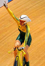 Anna Meares wins gold for Australia.