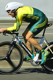 Nathan O'Neill having the Time Trial of his life as he speeds to claim gold.