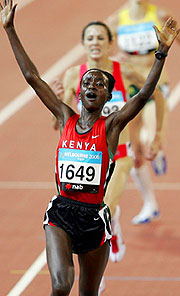Isabella Ochichi of Kenya takes the 5000m gold medal.