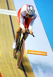 English cyclist Paul Manning races to victory at the velodrome.