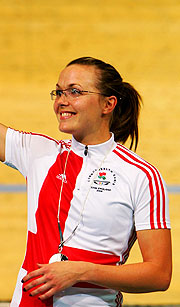 Victoria Pendleton sets Games record to qualify fastest for Women's sprint.